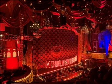 Hirschfeld Theatre‎ acondicionado para Musical Moulin Rouge